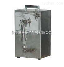 KNG-10型液體定量灌裝機