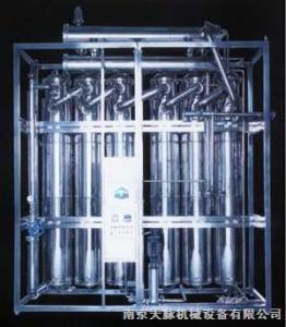 LD500/5型多效蒸馏水机