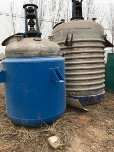 齊全濟寧低價處理5噸盤管電加熱反應釜